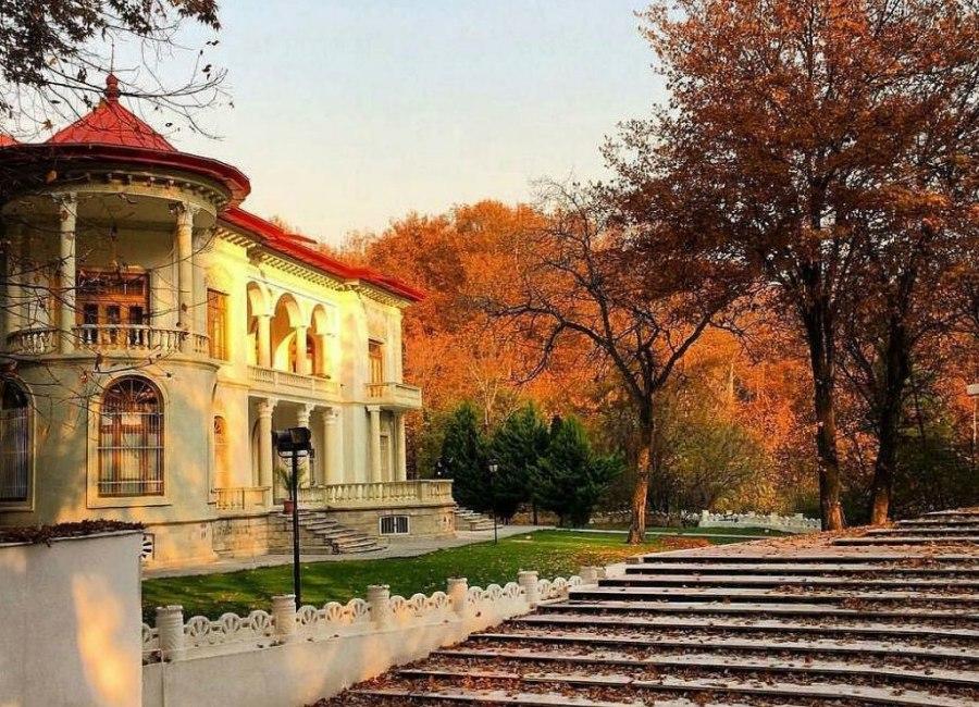 Sa'dabad palace Iran tour